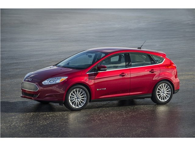 2015_Ford_Focus_Electric_Сторона