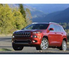 2016_Jeep_Cherokee_Вид Спереди