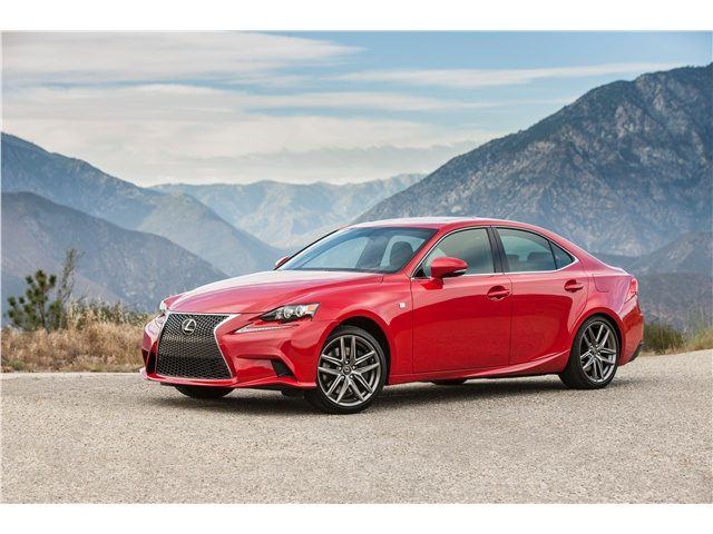 2016_Lexus_IS_1