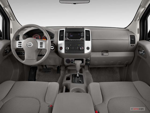 Nissan_Frontier_Салон