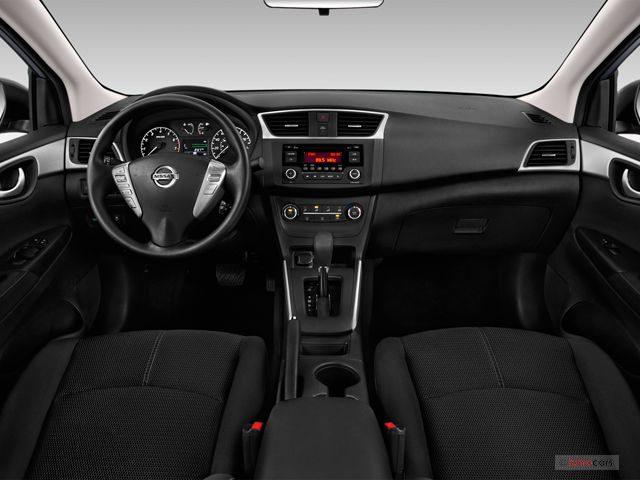 Nissan_Sentra_Салон