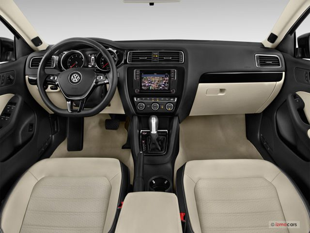 Volkswagen-Jetta_Салон