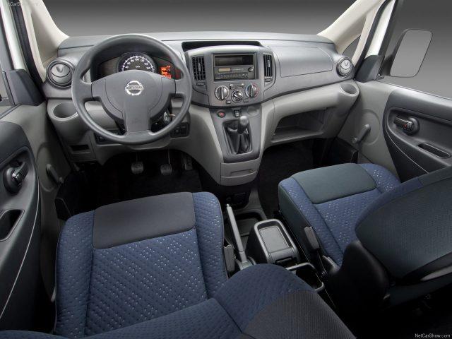 Nissan-NV200_Салон