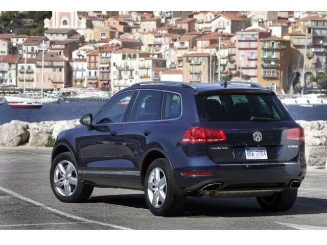 Volkswagen-Touareg-Hybrid