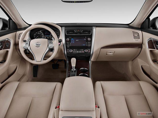 Nissan_Altima_Салон