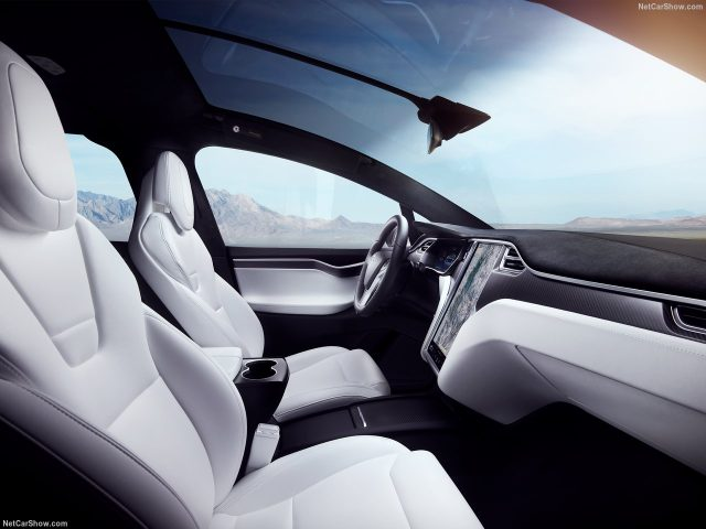 Tesla-Model_X_Салон